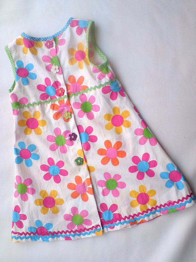 daisy print cotton dress with button back