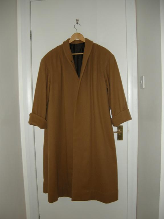 Brown wool coat using vintage vogue pattern