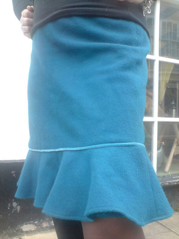 wool melton frill skirt