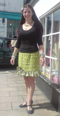 shell embroidered linin skirt with spotty frill