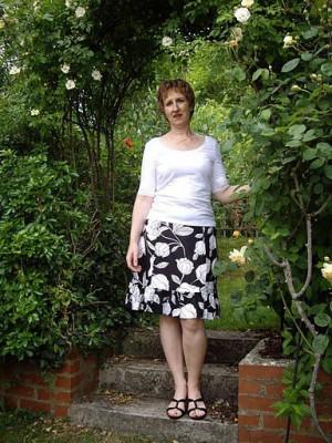 black and white printed linen skirt