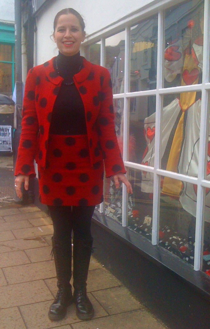 red and black spot boiled wool skirt suit