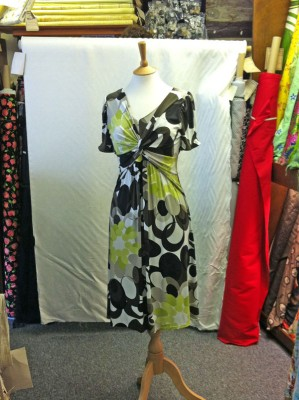 printed viscose and elastane jersey twist front dress