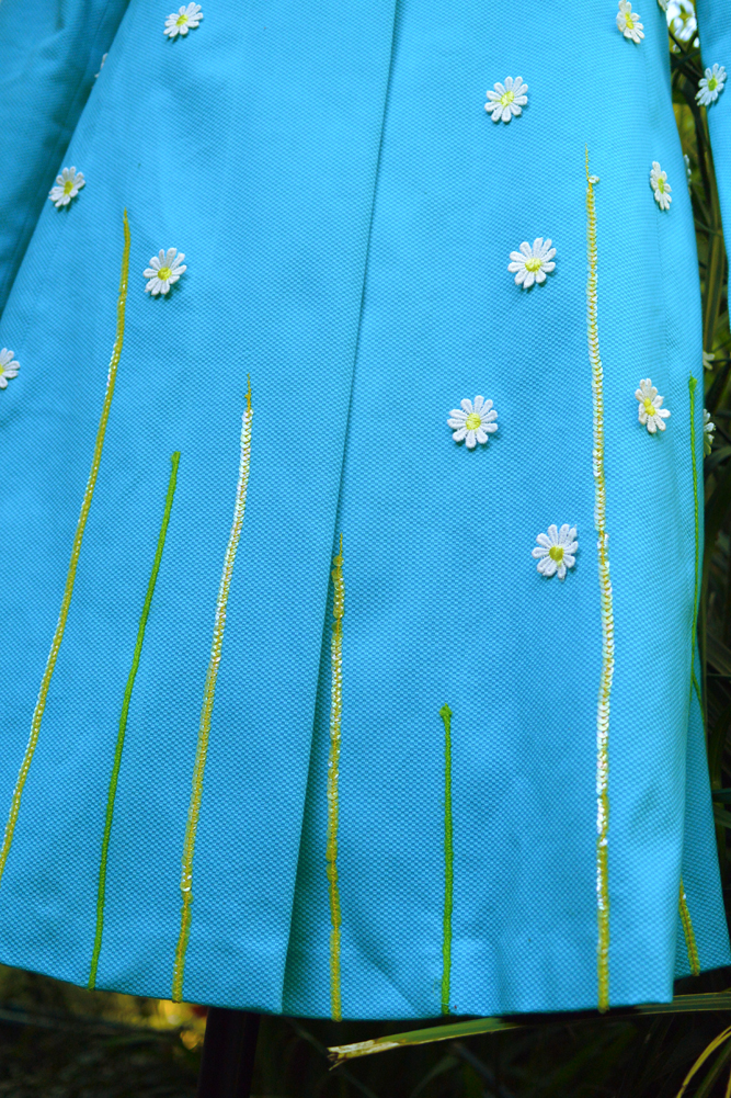 daisy trim embellished piqué cotton with sequins and jute string