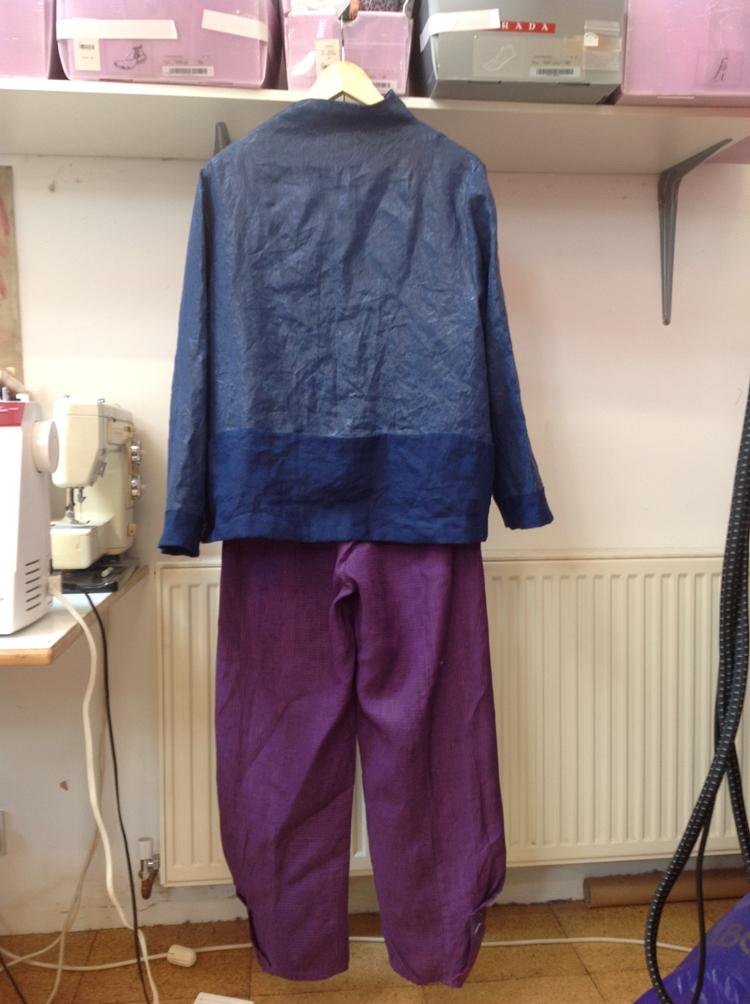 plasticised linen jacket back Vogue 9035