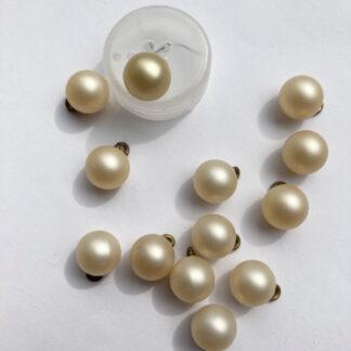 Pearl Cream plastic ball button