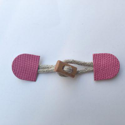 H0193-02 faux snakeskin duffle fastener