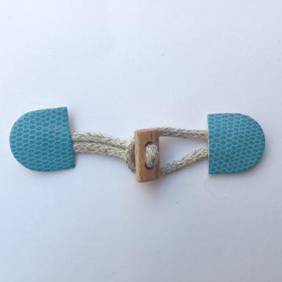 H0198-03 faux snakeskin duffle fastener