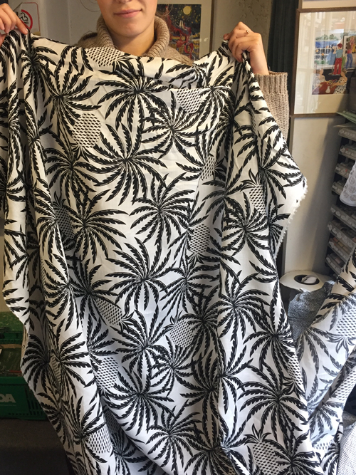 black and white pineapple print linen and cotton mix dressmaking fabric