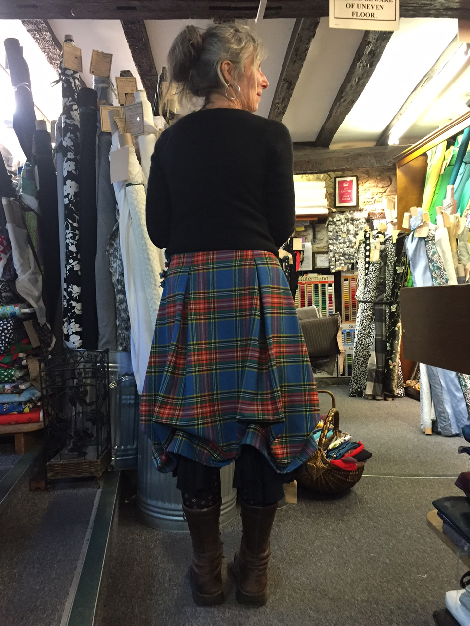 jane-a-wool-tartan-ruched-skirt-back