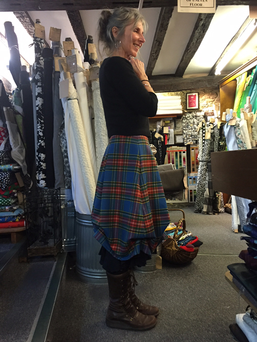 jane-a-wool-tartan-ruched-skirt-side