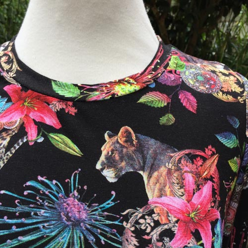 pussycat and floral digital print viscose jersey t-shirt neckline