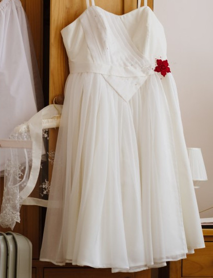 ivory silk taffeta and chiffon wedding dress