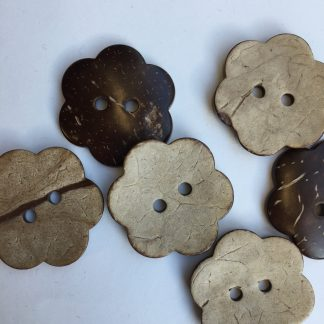 B1907 daisy shaped 2 hole coconut wooden button