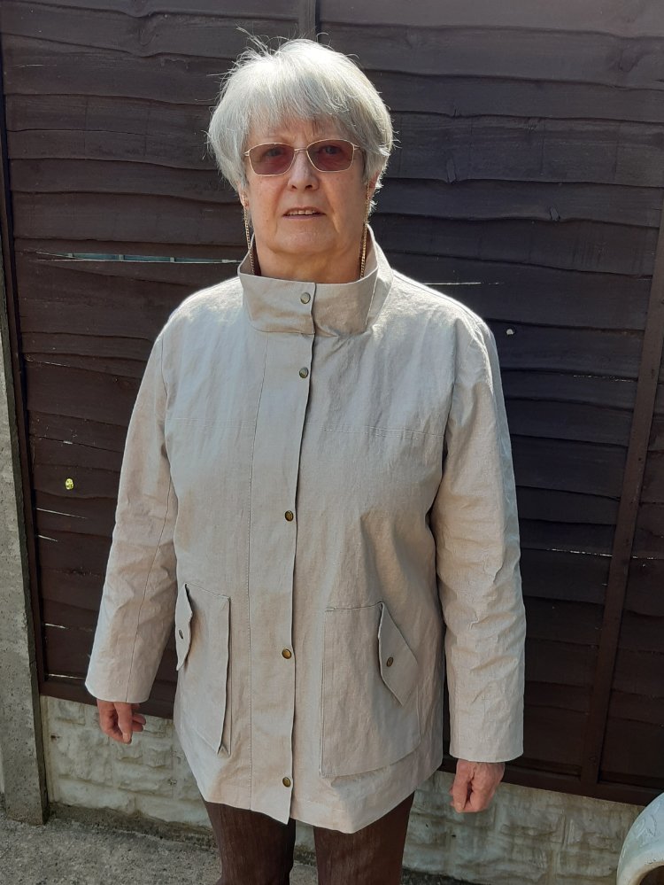 KElly Anorak made in proofed limestone Linen