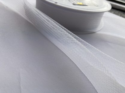 white 25mm horsehair braid