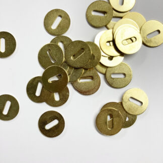 washer to be used with split pins or rings for removable buttons
