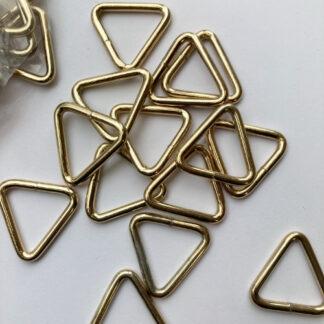gold triangular d-ring